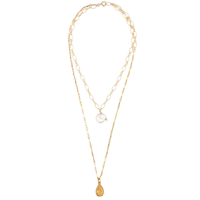 """<a href=""""https://www.mytheresa.com/eu_en/alighieri-exclusive-to-mytheresa-layers-of-the-sun-24kt-gold-plated-necklace-with-pearl-1459077.html?catref=category"""" target=""""_blank"""">ALIGHIERI, 17 800 руб.</a>"""