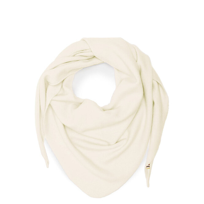 """<a href=""""https://www.matchesfashion.com/intl/products/Extreme-Cashmere-No.35-stretch-cashmere-bandana-1412255"""" target=""""_blank"""">EXTREME CASHMERE, 16&nbsp;485 руб.&nbsp;</a>"""