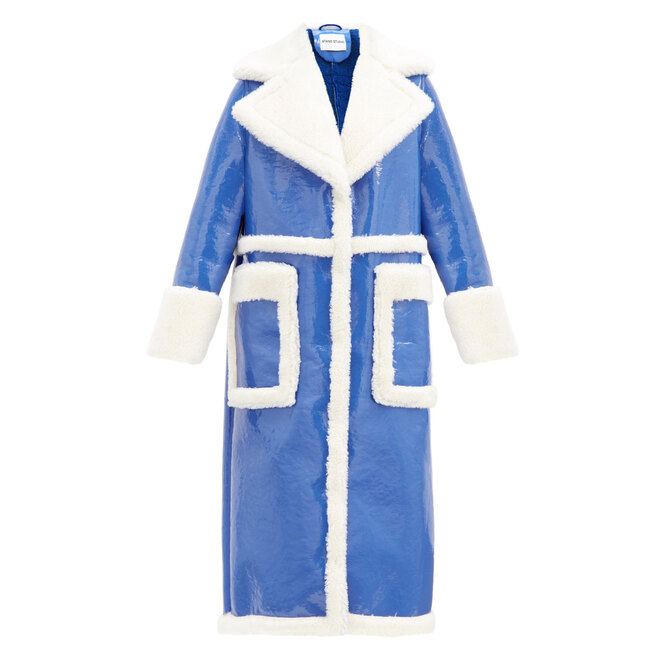 """<a href=""""https://www.matchesfashion.com/intl/products/Stand-Studio-Aubrey-faux-shearling-and-patent-leather-coat--1377585"""" target=""""_blank"""">STAND STUDIO,&nbsp;38&nbsp;435&nbsp;руб.&nbsp;</a>"""