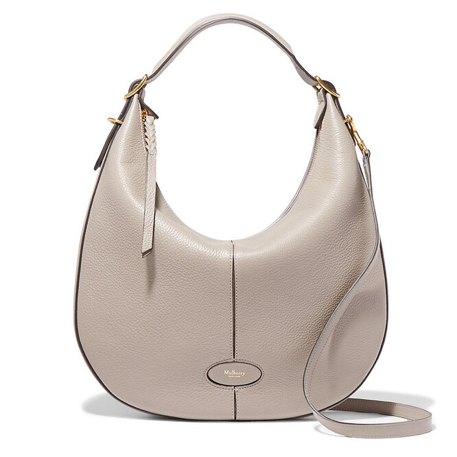 """<a href=""""https://www.net-a-porter.com/ru/en/product/1060766/mulberry/selby-textured-leather-shoulder-bag"""" target=""""_blank"""">MULBERRY</a>, 64 152 руб.&nbsp; &nbsp;"""