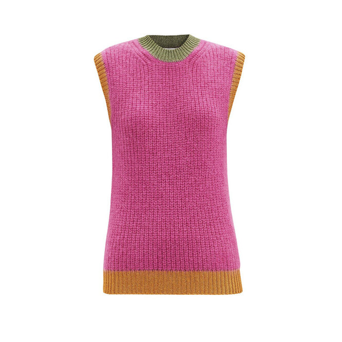 "<a href=""https://www.matchesfashion.com/intl/products/Valentino-Logo-embroidered-ribbed-mohair-blend-tank-top-1362437"" target=""_blank"">VALENTINO</a>, 54 385 рублей"