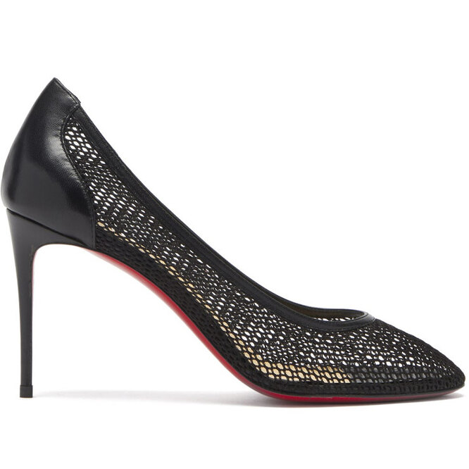 """<a href=""""https://www.matchesfashion.com/intl/products/Christian-Louboutin-Filomena-85-net-and-leather-pumps-1397627"""" target=""""_blank"""">CHRISTIAN LOUBOUTIN</a>, 43 130 рублей"""
