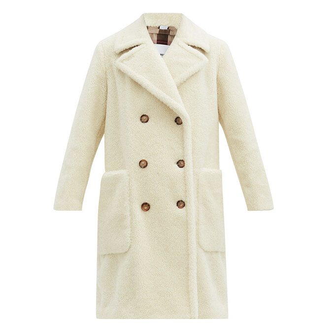 """<a href=""""https://www.matchesfashion.com/intl/products/Burberry-Selby-double-breasted-wool-blend-fleece-coat-1378508"""" target=""""_blank"""">BURBERRY</a>,&nbsp;144&nbsp;155&nbsp;рублей"""