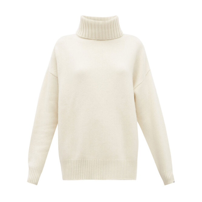 """<a href=""""https://www.matchesfashion.com/intl/products/Extreme-Cashmere-No-20-Oversize-Xtra-stretch-cashmere-sweater-1262975"""" target=""""_blank"""">EXTREME CASHMERE,&nbsp;54&nbsp;750&nbsp;руб.&nbsp;</a>"""