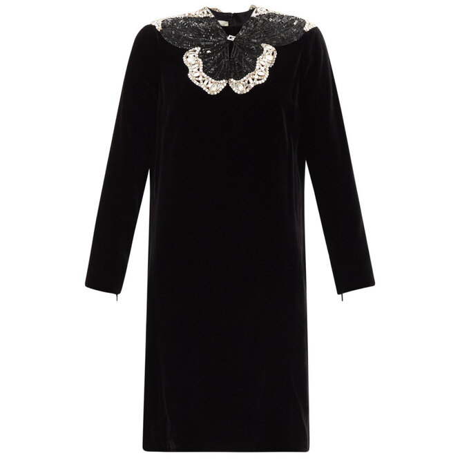 """<a href=""""https://www.matchesfashion.com/intl/products/Gucci-Crystal-and-sequinned-butterfly-velvet-dress-1360647?fbclid=IwAR2S4CUN2-ZeQekTP7g8L57QC4EoX6wHr_3tKJswSiSnmylJ8YU-xqC66vQ"""" target=""""_blank"""">GUCCI</a>, 248 575 руб."""