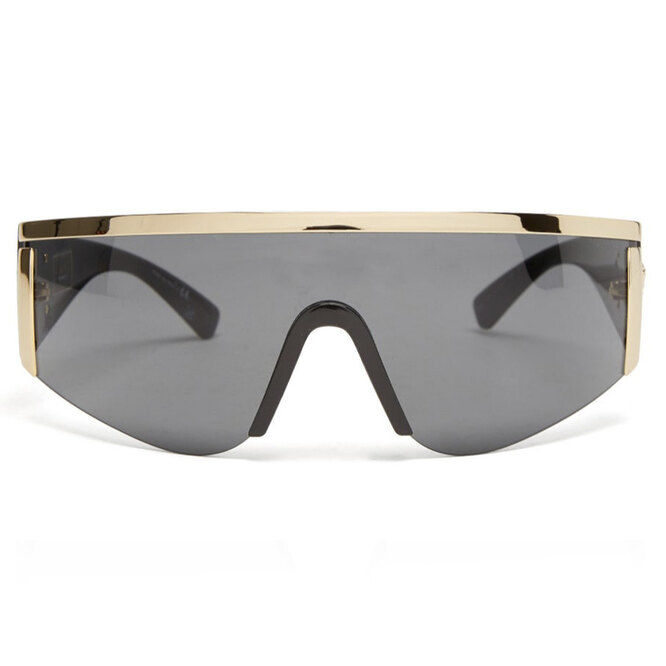"""<a href=""""https://www.matchesfashion.com/intl/products/Versace-Eyewear-Shield-acetate-and-metal-sunglasses-1424370"""" target=""""_blank"""">VERSACE</a>, 17 340 рублей"""