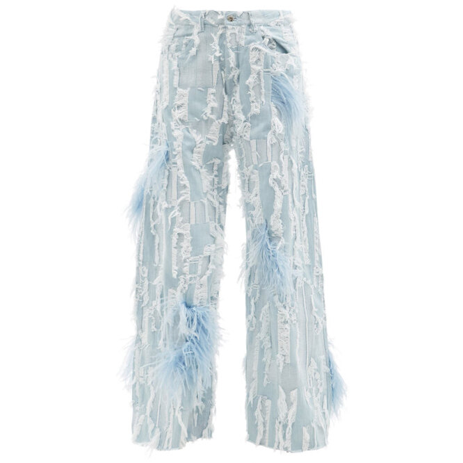 """<a href=""""https://www.matchesfashion.com/intl/products/Marques%27Almeida-Feather-trimmed-distressed-wide-leg-jeans-1413360"""" target=""""_blank"""">MARQUES&#39;ALMEIDA, 38 670 руб.</a>"""