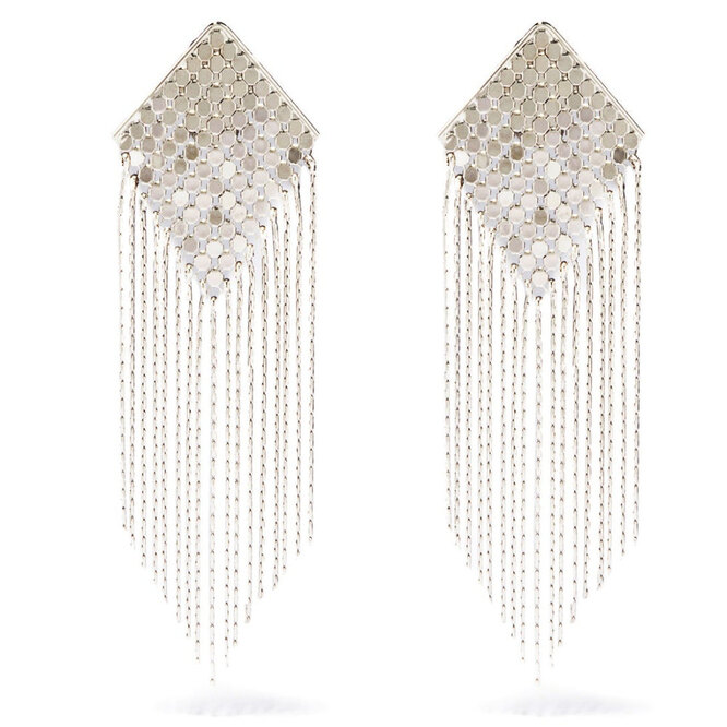 """<a href=""""https://www.matchesfashion.com/intl/products/Etro-Fringed-chainmail-clip-earrings-1437996"""" target=""""_blank"""">ETRO</a>, 31 530 руб."""