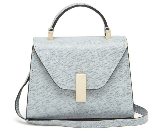 """<a href=""""https://www.matchesfashion.com/intl/products/Valextra-Iside-micro-grained-leather-bag-1316607"""" target=""""_blank"""">VALEXTRA</a>, 132 252 рубля"""