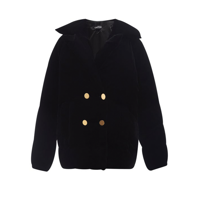 """<a href=""""https://www.matchesfashion.com/intl/products/Tom-Ford-Velvet-down-peacoat-1444691"""" target=""""_blank"""">TOM FORD, 355 985 руб.</a>"""