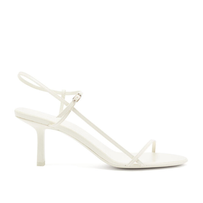 """<a href=""""https://www.matchesfashion.com/intl/products/The-Row-Bare-mid-heel-leather-slingback-sandals-1219921"""" target=""""_blank"""">THE ROW, 60 055 руб.</a>"""