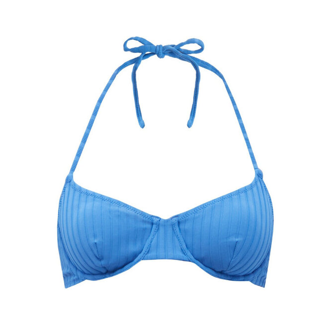 """<a href=""""https://www.matchesfashion.com/intl/products/The-Ginger-ribbed-underwired-bikini-top-1405223"""" target=""""_blank"""">SOLID &amp; STRIPED, 6 470 руб.</a>"""